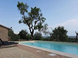 Montegiove Villa Sleeps 12 Pool Wifi photos Exterior