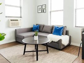 Trendy Apt | Perfect For Cubs, Music, Nightlife M8 photos Exterior