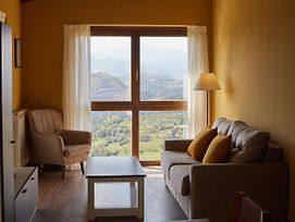 Cozy Holiday Home In Cangas De Onis With Meadow View photos Exterior