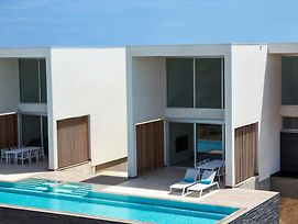 Caraibas Modern Air Conditioned Vacation Home For Architectural Design Lovers photos Exterior