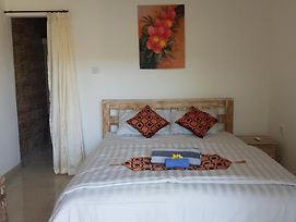 Mawar Homestay Canggu photos Exterior