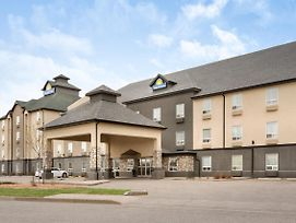 Days Inn By Wyndham Regina photos Exterior
