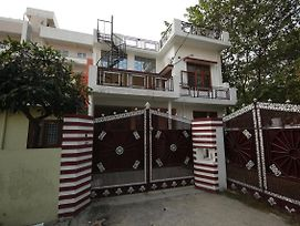Cheerful 2Bhk Stay Near Chakrata Road Dehradun photos Exterior