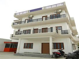 Spacious 1Br Stay Near Rispana Pul Dehradun photos Exterior