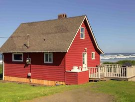 Little Red Hideaway photos Exterior