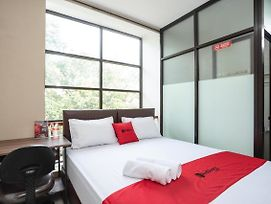 Reddoorz Near Eka Hospital Bsd City photos Exterior