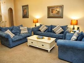 Nicely Equipped 4 Bedroom 3 Bathroom Home In Gated Community photos Exterior