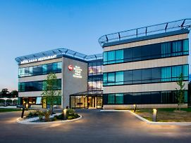 Best Western Plus Hotel Escapade Senlis photos Exterior