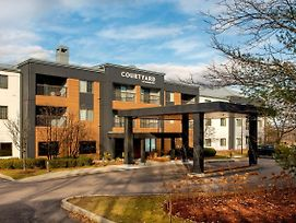 Courtyard By Marriott Burlington Williston photos Exterior