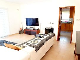 House With 3 Bedrooms In Charneca De Caparica With Enclosed Garden And Wifi 2 Km From The Beach photos Exterior