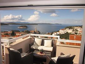 Apartment In Hvar Town With Sea View, Terrace, Air Conditioning, Wi-Fi photos Exterior