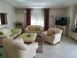 128 M² Holiday Flat - Euro Golden 7 - In Alanya Oba - Private For Renting photos Room