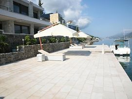 Luxury Seafront Villa Perfetto photos Exterior