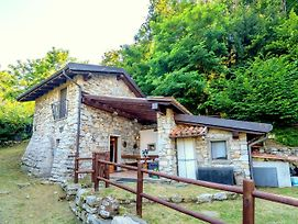 Countryside Cottage In Montorfano Near Lake photos Exterior