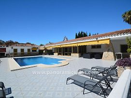 Fuengirola Villa Sleeps 10 Pool Air Con Wifi photos Exterior