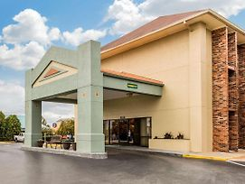 Quality Inn Opryland Area photos Exterior