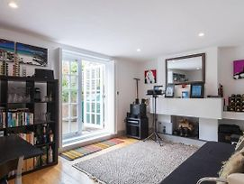 Modern 1 Bed Hampstead Flat With Amazing Garden photos Exterior