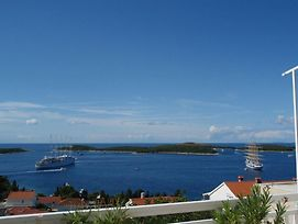 Room In Hvar Town With Sea View, Balcony, Air Conditioning, Wi-Fi photos Exterior