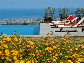 Palermo Villa Sleeps 6 photos Exterior