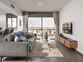 Luxurious Flat In Residential Area photos Exterior