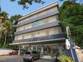 Elegant 1Br Studio In Kaloor Kochi photos Exterior
