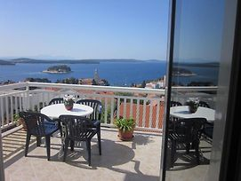 Room In Hvar Town With Sea View, Terrace, Air Conditioning, Wi-Fi photos Exterior