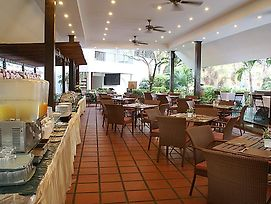 Royal Orchid Resort photos Restaurant