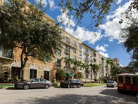 Stunning 2 Bedroom 2 Bathroom Apartment/Condo photos Exterior