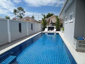 Siam Court Luxury 4 Bedroom Pool Villa Bang Sare photos Exterior