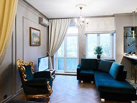 So Luxury Apartment In The Heart Of Minsk Near Circus photos Exterior