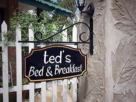Ted'S Bed And Breakfast photos Exterior