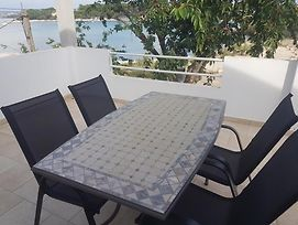 Studio Apartment In Pasman With Seaview Terrace Air Condition Wifi photos Exterior