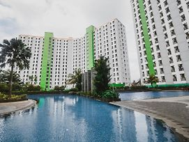 Reddoorz Apartment @ Green Lake View Ciputat photos Exterior
