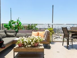 Sea View Penthouse In The Heart Of The City photos Exterior