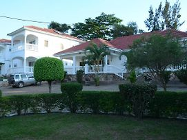 Muyenga Luxury Vacation Home photos Exterior
