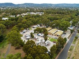 Windsor Gardens Caravan Park photos Exterior