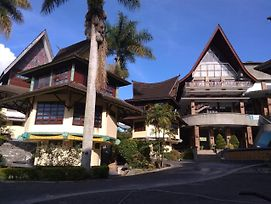 Sapadia Hotel And Cottage Parapat photos Exterior