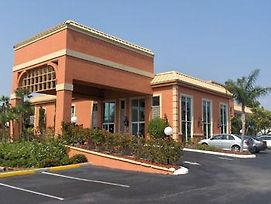 Econo Lodge Inn And Suites New Port Richey photos Exterior