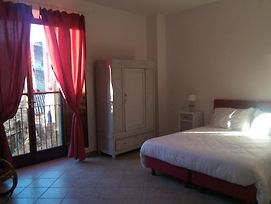 He B & B Is Located In The Historical Village Of Santu Lussurgiu photos Exterior