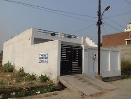 India Agra Home Stay photos Exterior