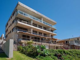 Edgecliffe Unit 4 4 Esplanade Kings Beach photos Exterior