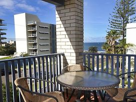 Levuka Unit 11 14 Moreton Pde Kings Beach photos Exterior