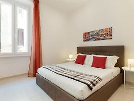 Lovely And Bright 2 Bed Flat Near Termini photos Exterior