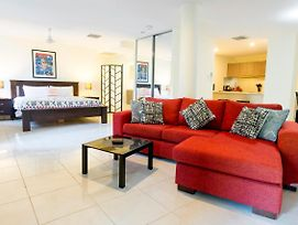 Luxury 1 Bed Apartment, New King Bed & Bath photos Exterior
