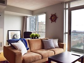 Modern High Rise 1 Bedroom In Downtown Toronto photos Exterior