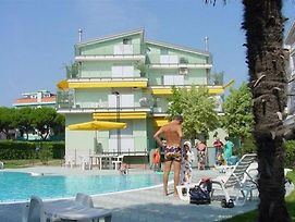 Apartment In Lido Di Jesolo With One-Bedroom 1 photos Exterior