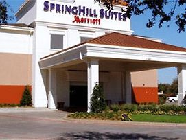 Springhill Suites By Marriott Dallas Nw Hwy/I35E photos Exterior