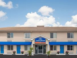 Howard Johnson By Wyndham Springfield photos Exterior