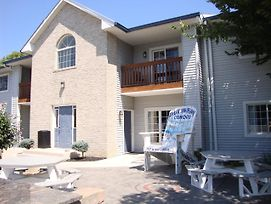 Put-In-Bay Poolview Condo #4 photos Exterior