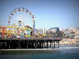 3 Blocks To Beach Private Bedrooms In Shared House Walk To Santa Monica Pier photos Exterior
